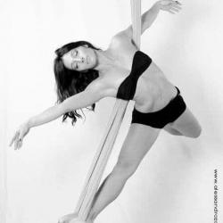 Valentina Pole Dance (2)